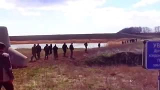 Украинцы массово уходят в Россию через границу  Украина