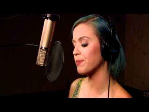 Katy Perry singing Last Friday Night... With a Simlish twist!
