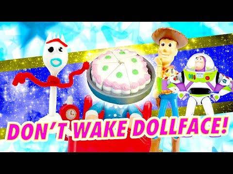 LOL Surprise Dolls Don't Wake Dollface Missing Cake Mystery Reveal Game! W/ Curious QT & Scribbles