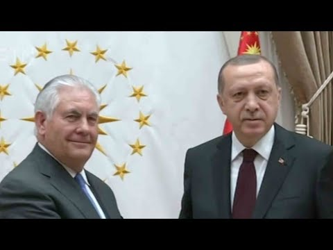 US secretary of state tries to mend ties with Turkey