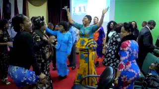 Jehovah carry me dey go ! (Praise Medley) Gilgal Christian Center