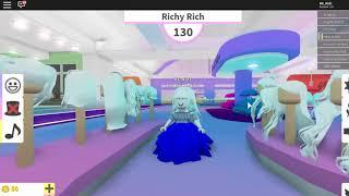 HC Kidz Gaming Roblox Fashion Famous Fun