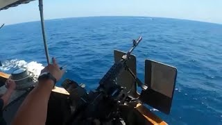 US ship fires 30 warning shots at Iranian fast boats in latest tense encounter