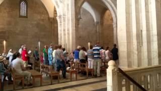 Израиль: видео экскурсии в Иерусалим - Церковь св Анны(Церковь отличается необыкновенной акустикой, церковное хоровое пение производит исключительное впечатле..., 2015-06-07T13:48:40.000Z)