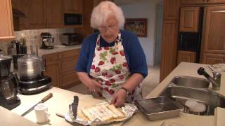 Nana's Famous Lemon Squares Recipe (2/2)