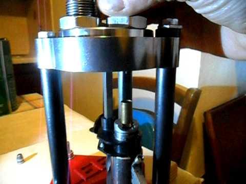 Ricarica munizioni metalliche cal 9x21 youtube for Sifone elettrico per acquario fai da te