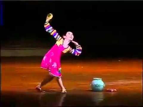 北韓兒童舞蹈驚人開外掛,嚇死我了!(1分50秒後正式開掛!)