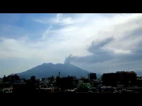 Active Volcano Sakurajima continues eruptions like Volcano CALBUCO! (24 April 2015)