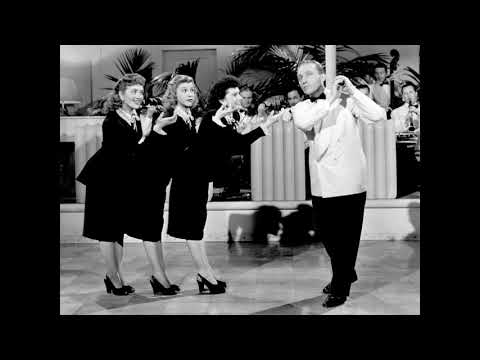 Bing Crosby And The Andrews Sisters - Jingle Bells