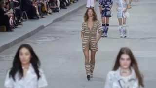 Gisele Bündchen - Chanel S/S 2015 - Runway