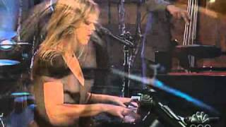 Diana Krall-Have yourself a merry little christmas.
