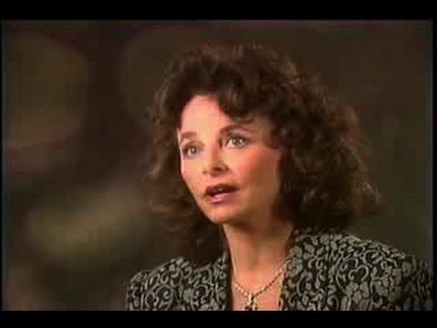 Part 1. Linda Moulton Howe Interview, Podcast UFO, 12-3-2014