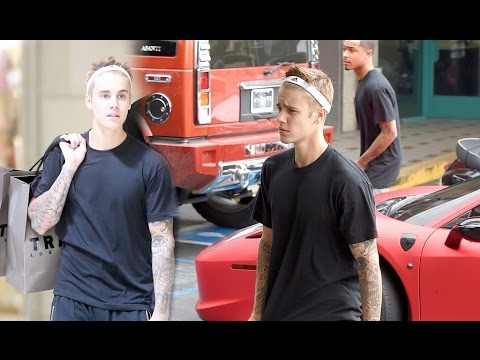 ... Justin Bieber Sports Headband Lets His Hair Run Wild in West Hollywood 526fa09e656