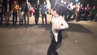 Halay Çeken Kürt Kızı 2o14- ELee Sanaa Can Kurban HewaL