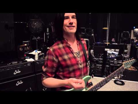 Pete Thorn using 2 Eventide H9's on tour