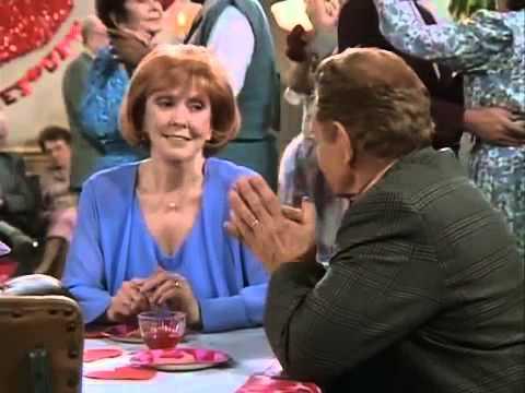 King of Queens Season 1 Episode 16 Saint Valentines