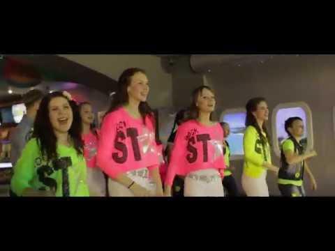 Танцевальный и песенный флешмоб в СИНЕМА ПАРК Ульяновск