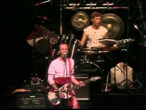 King Crimson - Three of a Perfect Pair -live-(1984)