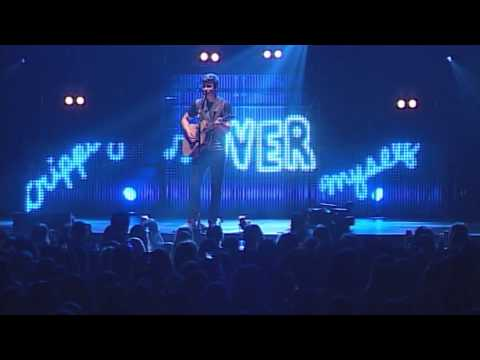 Shawn Mendes – Stitches (Live @ Mohegan Sun Arena) mp3 ke stažení