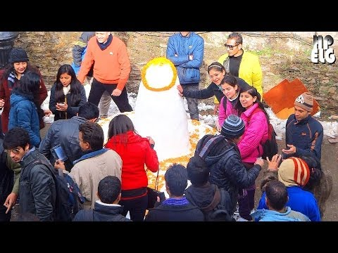 Making  Amazing Snow Shivling on the Mall Road SHIMLA