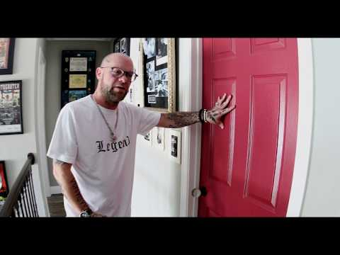 Anne Erickson - At Home with Five Finger Death Punch's Ivan Moody
