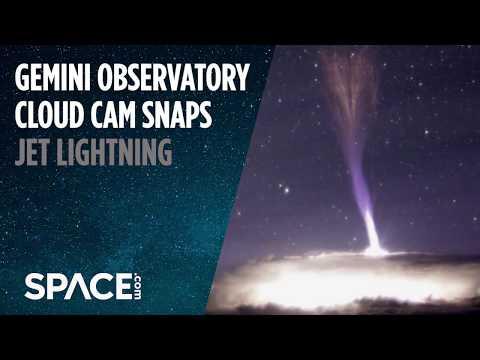 Jet Lightning! Cloud Cam Spots Rarely Seen 'Gigantic Jets'