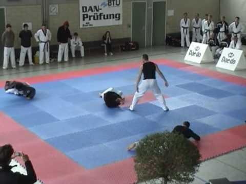 Taekwondo Prüfung Sergio Albanese 6.Dan - Selbstve...
