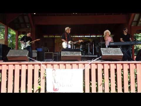 The Farmer's Cow Jingle! Fresh Connecticut Milk! Hebron Harvest Fair Sponsored By The Farmer's Cow