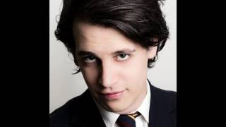 Fake News Insinuates Milo Yiannopoulos is a Pedophile