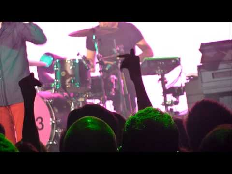 KASABIAN RUNNING BATTLE live at Le Bataclan PARIS 04 30 2014