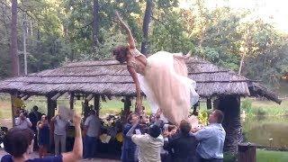 Падение невесты. Самое неудачное фото.