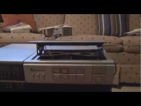 Vintage RCA Selectavision VJP900T VCR/Color Video Camera Overview
