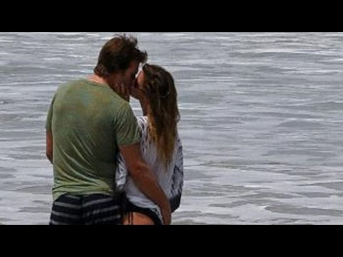 Tom Brady and Supermodel Gisele Bundchen Had A Super PDA Filled Day At The Beach!