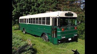 Дом на колесах. Дом из старого школьного автобуса и Старый Авто дом.(, 2017-07-26T02:51:43.000Z)