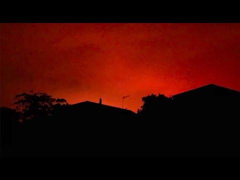 Australische Buschfeuer Färben Himmel Tiefrot