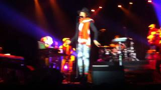 erykah badu planet rock appletree on love of my life live arena moscow 01 11 11 moscow