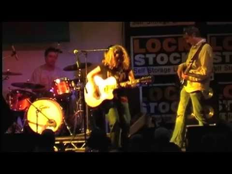 Amy Wadge Live at Pigstock 2004 !