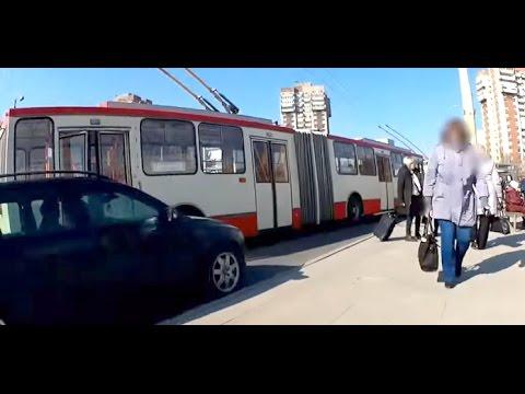 Riding Trolleybus Škoda 15TR Vilnius