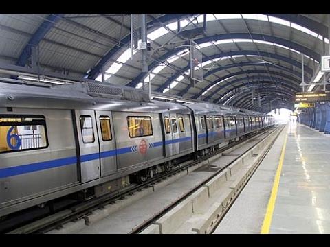 Delhi metro full speed...
