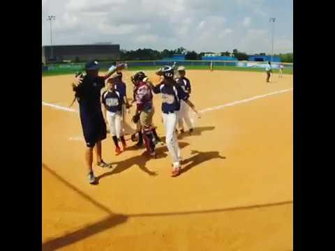 GTB - Girls Travel Baseball - Grace DeVinney Homerun Vs.Puerto Rico!