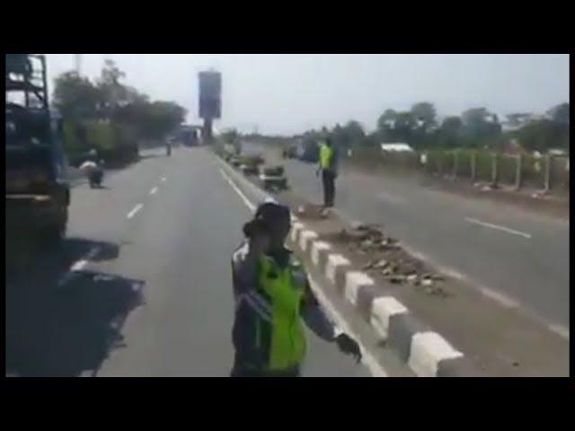Viral..!!! Aksi Petugas Dishub Lakukan Pungli Terhadap Sopir Truk