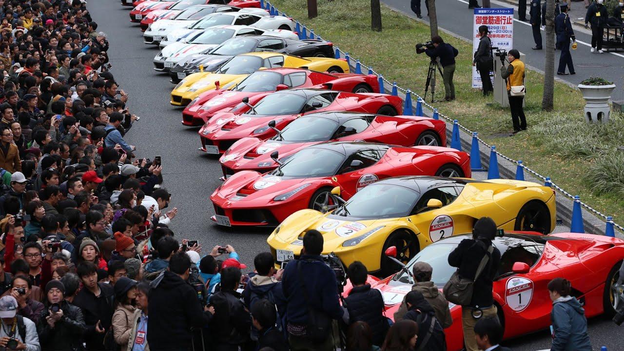 100 ferrari christmas parade osaka japan 2015 5 laferrari for Ferrari christmas