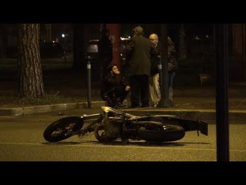 Arezzo,  auto contro moto: muore 17enne