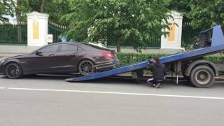В Питере эвакуатор изнасиловал Mercedes Benz CLS 63AMG(, 2016-06-14T03:15:10.000Z)