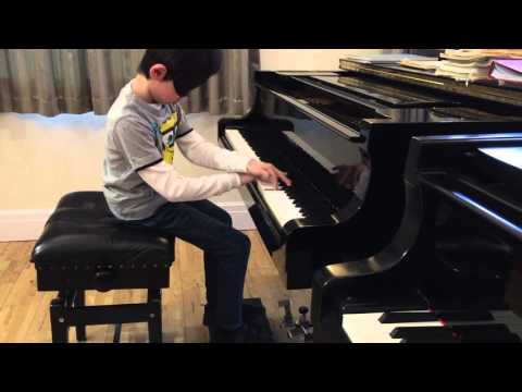 """BGT Most Popular Pianist, 7 Years Old Prodigy Leo Playing """"Bumble-Bee"""" Blindfolded"""