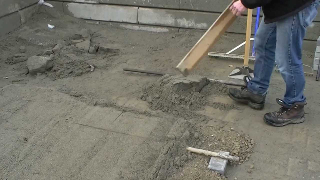 Screeding For Pavers Or Paver Slabs Youtube