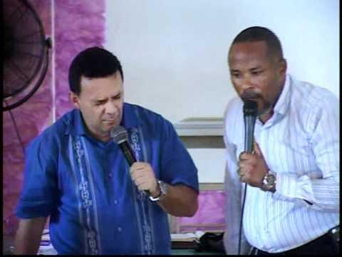 William Magaña y Los Pastores Haciendo Obras Misioneras en Haiti Parte8