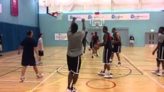 USA Basketball team practice three-pointers at UEL