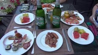 Hotel Resort Intime Sanya dinner barbecue. Китай,  Хайнань,  Дадунхай - отель Интайм резорт. Ужин