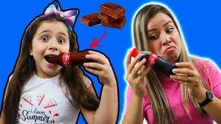 HELOÍSA E MAMÃE NO DESAFIO DO CHOCOLATE!!! staged a chocolate challenge